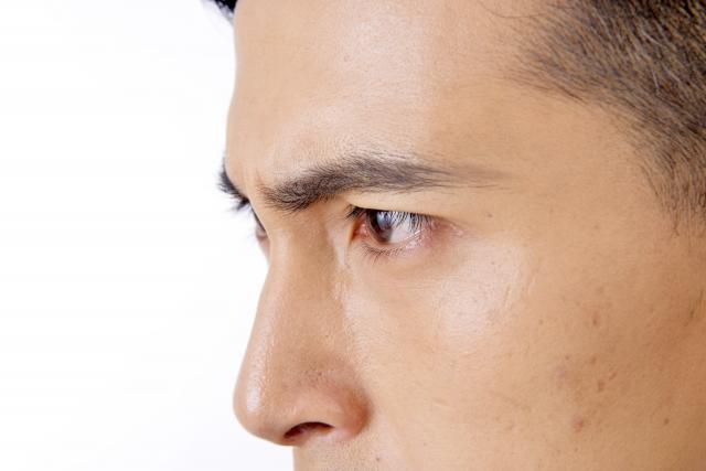 鼻を高くする、形を整える。当院が取り組む、男性のための「鼻整形」